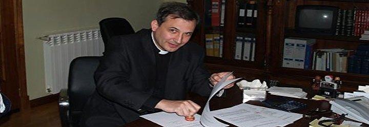 La vida diaria de Lucio Ángel Vallejo en su 'jaula' vaticana