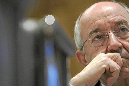 """El presidente de la CEOE reprocha a Fernández Ordóñez su """"guerra de guerrillas"""" y su falta de autocrítica"""