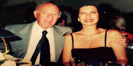 Se entera 20 años más tarde de que su marido se divorció de ella tras la boda