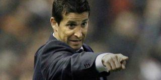 Se hace cargo del Betis tras la destitución de Pepe Mel
