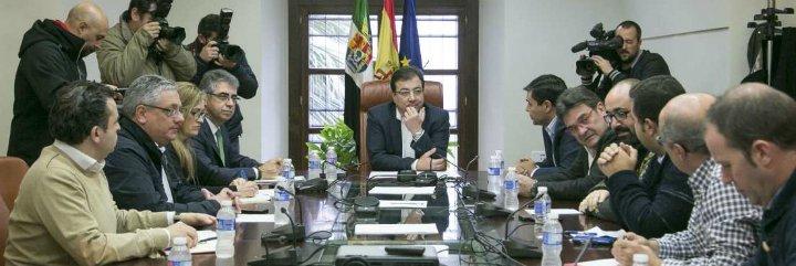 Vara anuncia que hará todo lo posible para salvaguardar los intereses de los trabajadores de la mina de Aguablanca