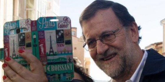 """Mariano Rajoy (PP) pide a Pedro Sánchez (PSOE) """"que se relaje"""" y disfrute un poco"""