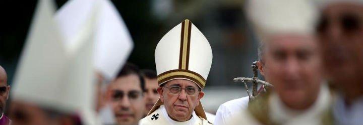 """Francisco: """"Si el obispo no reza, el pueblo de Dios sufre"""""""