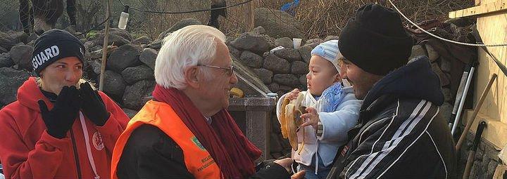 """El padre Ángel exige a Grecia, Turquía y a la UE """"que salven a las personas que están en peligro en el mar"""""""