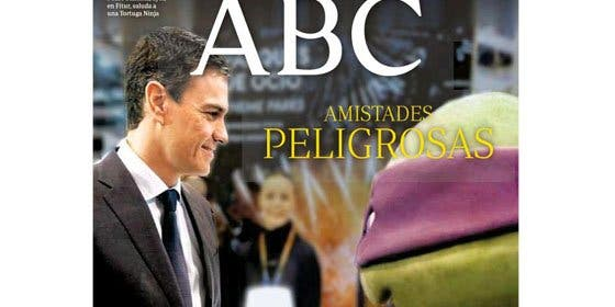 Genialidad de ABC: Pedro Sánchez da la mano a Donatello, la 'tortuga podemita' con cinta morada