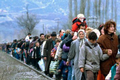 Le cascan 670 euros de multa a un danés por ayudar a varios refugiados