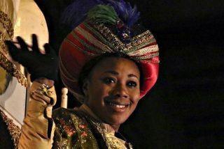 Manuela Carmena remata su mamarrachada: el rey Baltasar era la reina Baltasara