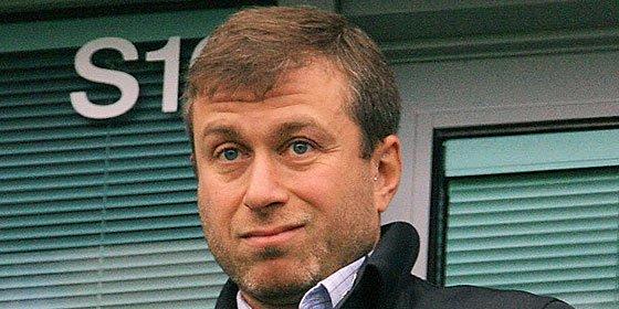 El Chelsea ofrece 25 millones al Valencia por uno de los descartes de Neville