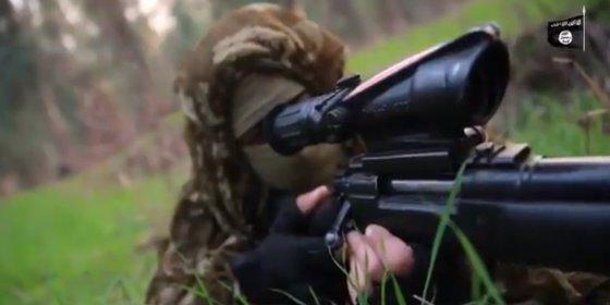 El brutal vídeo de los francotiradores del ISIS volando cabezas en Irak