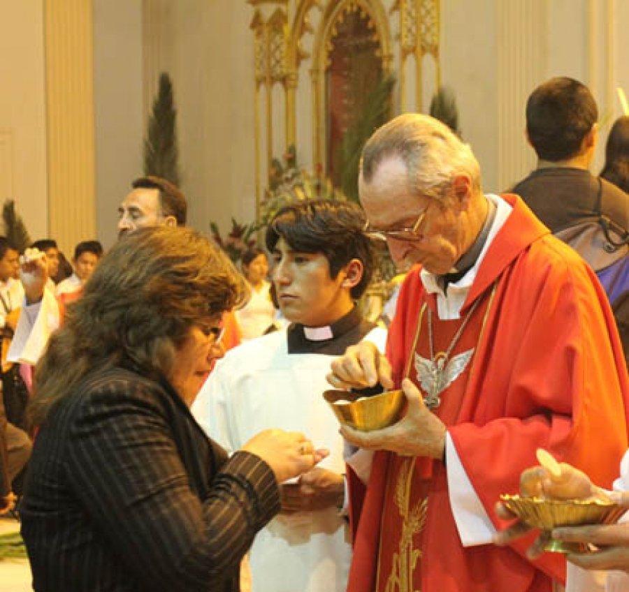 Monseñor Solari afirma que Evo pedía ayuda a los obispos