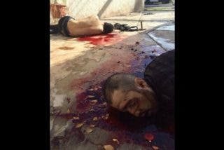 Las espeluznantes fotos de los sicarios acribillados defendiendo a 'El Chapo'