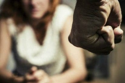 La infortunada joven que va a ser multada por defenderse de un violador