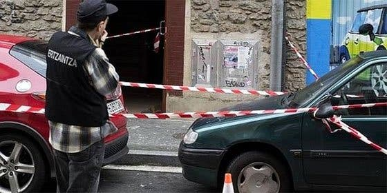 Fallece la niña de 17 meses que fue arrojada desde una ventana en Vitoria