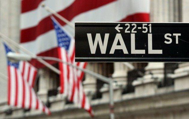 Wall Street vuelve a desplomarse: el Dow Jones cae más de un 3% y pierde los 16.000