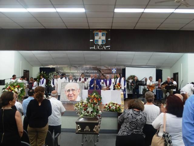 ¡Adiós, Fernando Cardenal! El jesuita que liberó a Nicaragua con la educación