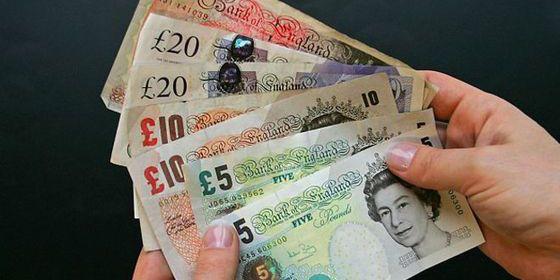 La libra baja de 1,40 dólares por primera vez desde 2009 por la incertidumbre del 'Brexit'