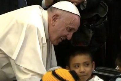 """La """"cariñoterapia"""", receta del Papa: """"Una caricia ayuda tanto a recuperarse..."""""""