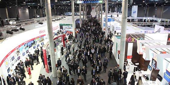 El Mobile World Congress quiere irse de Barcelona harto de Ada Colau