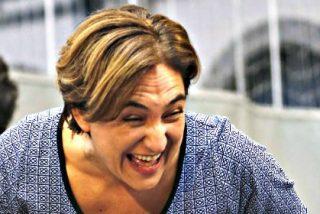 Colau se inspira en Manuela Carmena y le paga la luz a unos okupas
