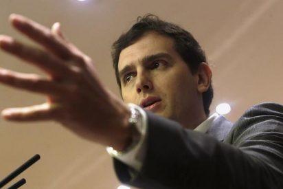 """Rivera: """"Rajoy dijo no al Rey y ahora dice no al consenso constitucionalista"""""""