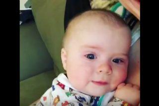 """[VÍDEO] El tierno bebé de cuatro meses que dice """"¡Oh, no!"""" tras estornudar"""