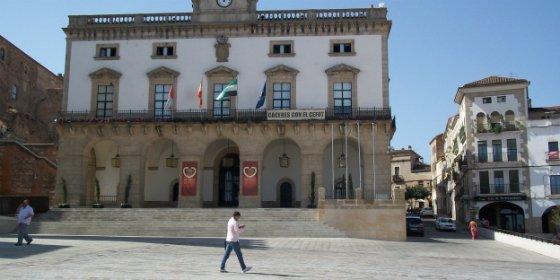 El ayuntamiento de Cáceres acusa a la Junta de discriminar a las zonas de ocio