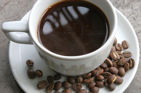 La peligrosa enfermedad de la que te librarás si tomas 3 tazas de café al día