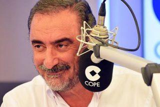 """Carlos Herrera sacude una tunda a los podemitas que apoyan la procesión del 'Coño insumiso': """"Cretinos"""""""