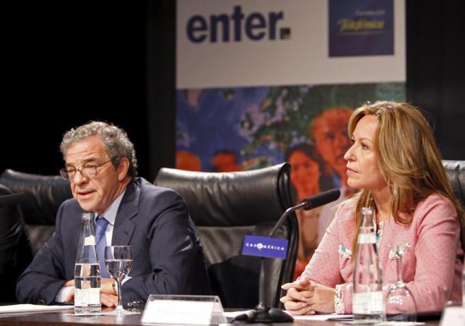 Pedro Sánchez defiende el fichaje de Trinidad Jiménez por Telefónica, el mismo que negó en noviembre
