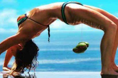 [VÍDEO] La terapeuta que levanta cocos con su vagina es de armas tomar