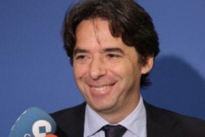 Tangana en el Ayuntamiento de Madrid, plante del PP a los concejales de Carmena y expulsión