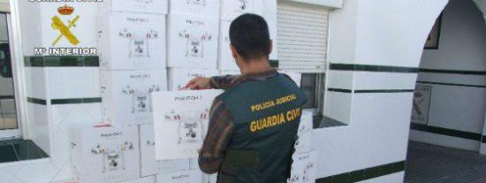 La Guardia Civil de Sevilla detiene a 11 personas por el robo de 136 DRONES