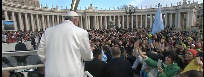 """El Papa denuncia que """"también hoy, los poderosos, por tener más dinero, explotan a la gente"""""""
