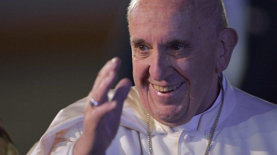 Alegato de Sánchez Dragó contra el Papa