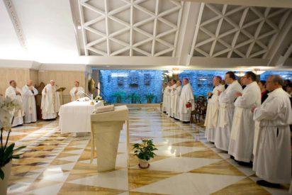 """Francisco: """"La religión cristiana es concreta, no es una religión de palabrería"""""""