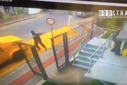 Los dos guardias que sobreviven a un robo tras fingir su muerte