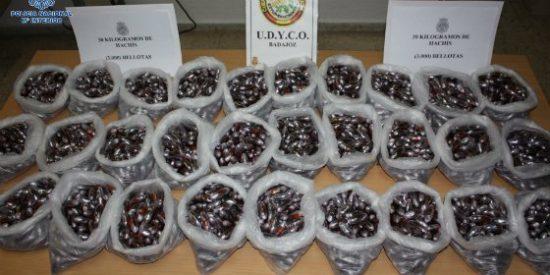 La Policía Nacional detiene en la provincia de Badajoz a cuatro personas e incauta 3.000 bellotas de hachís