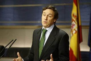 """El PP carga contra Patxi López por la """"cacicada"""" de avalar el show de Pedro Sánchez en la investidura"""