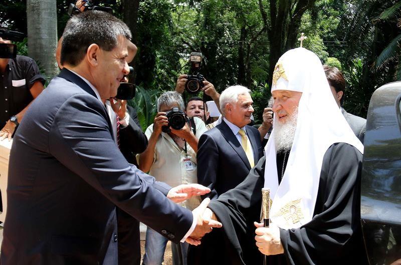 Horacio Cartes recibe al patriarca ruso