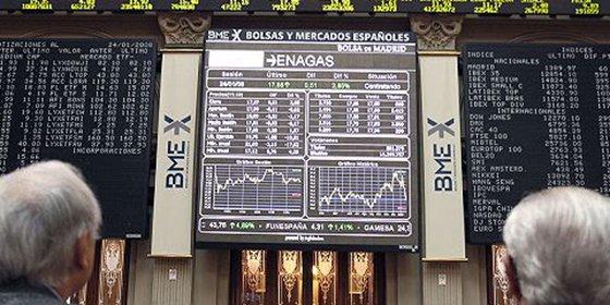 El Ibex 35 amplía pérdidas al 2% a media sesión y cede los 8.700 puntos, lastrado por Repsol