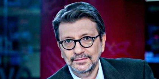 """""""Mientras se hundían las Bolsas, lo trascendental en el Congreso era recolocar a Podemos"""""""