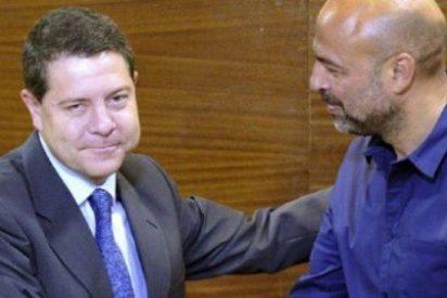 García-Page se come lo que sea y se baja lo que haga falta para agradar a Podemos
