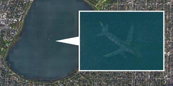 El avión fantasma detectado por Google Earth en el fondo de un lago