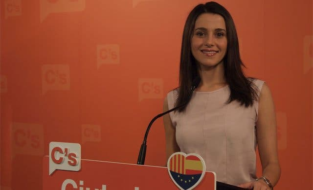 "Un actor catalán, habitual de TV3, llama ""cortita"" a Inés Arrimadas"