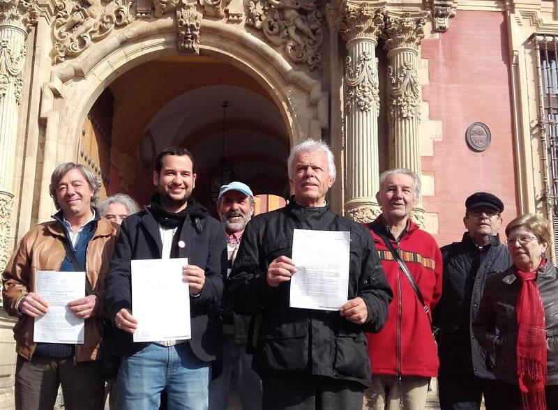 IU reivindica en Sevilla un gobierno laico