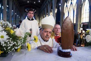Laicos y víctimas de abusos escriben al Papa para reclamar el cese del obispo Juan Barros