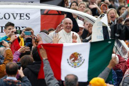 El Papa de la misericordia con la 'Bella Durmiente' Iglesia mexicana