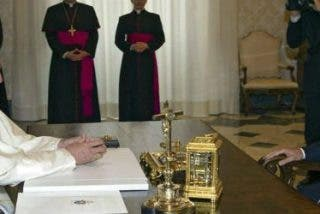 Tenso y protocolario encuentro entre Francisco y Mauricio Macri