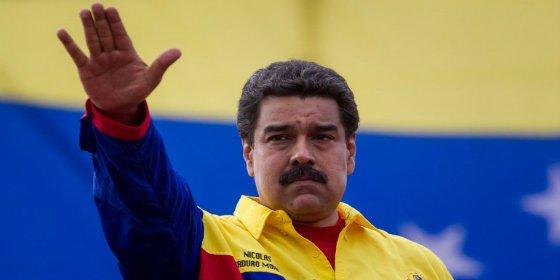 La Venezuela chavista pide docenas de aviones llenos de billetes porque ya no puede ni imprimir moneda