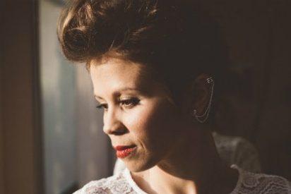 La cacereña Marta Lozano ofrece un concierto en la Sala Clavellinas